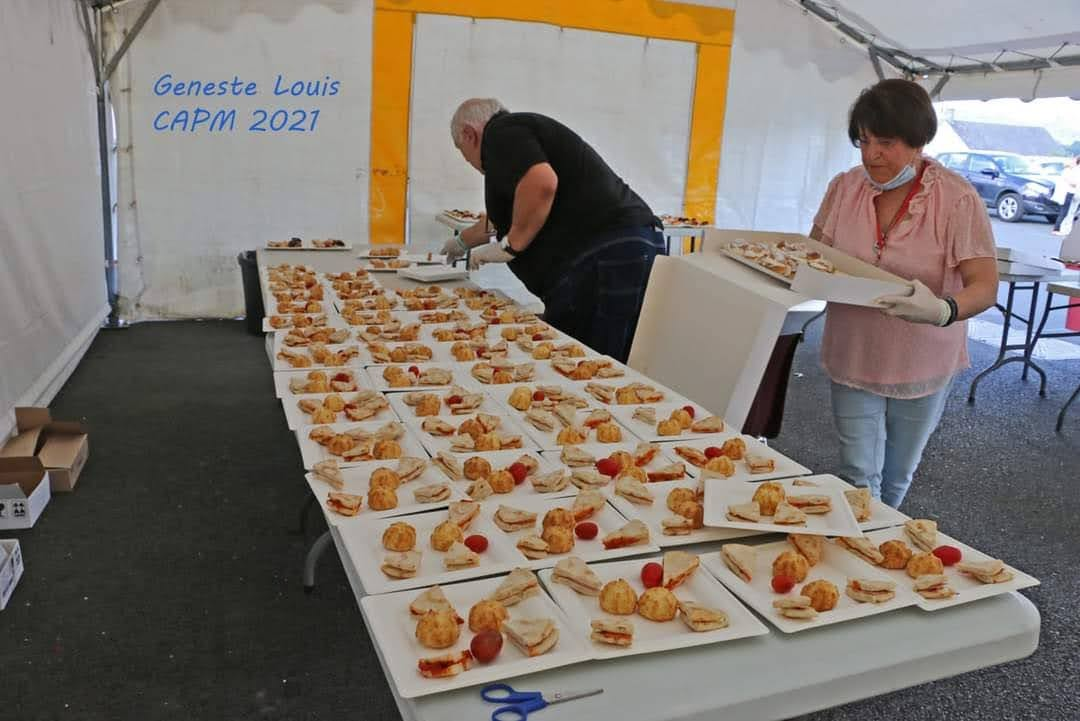 Et pendant ce temps là nos petites mains, Anne Lecomte et Roland Pédandola préparaient de belles et bonnes petites assiettes...